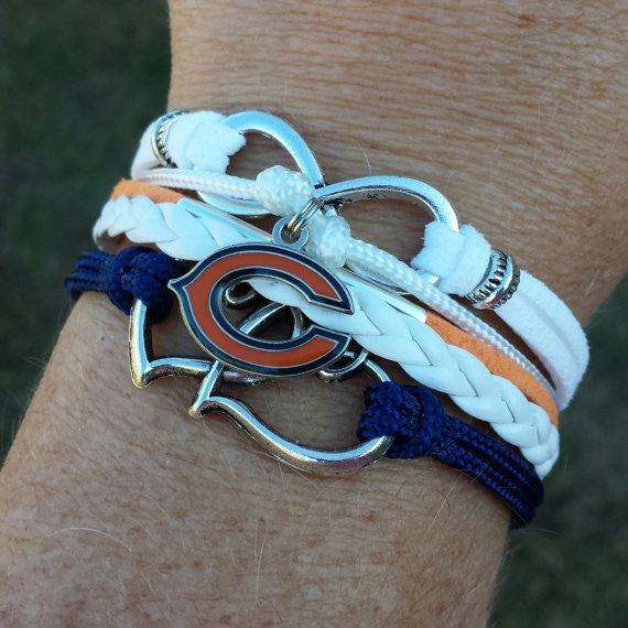 Stylish five strand adjustable Chicago Bears bracelet in one. Bracelet can be made with most any team logo charm: MLB, NBA, NFL, NHL or college team.