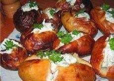 Необыкновенно вкусный картофель со сметанной начинкой.