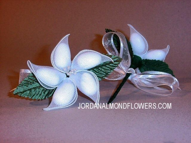 Jordan Almonds Are The Classic Wedding Candy Why Not Make Your Own Almond Flowers A Unique And Elegant Way Of Including