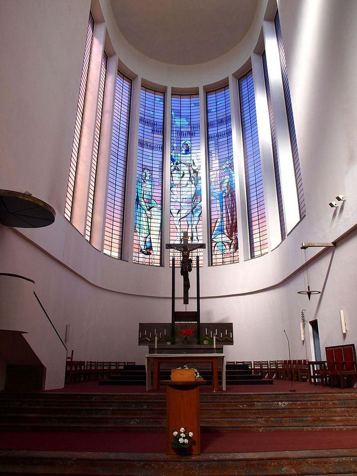 J.Gočár - Vršovice, kostel sv. Václava oltář2 - Kostel svatého Václava (Vršovice) – Wikipedie