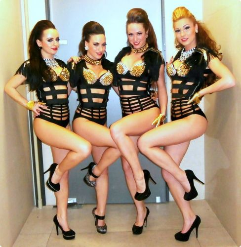 Hot Dancers in Green Gold Club #zagreb #girls