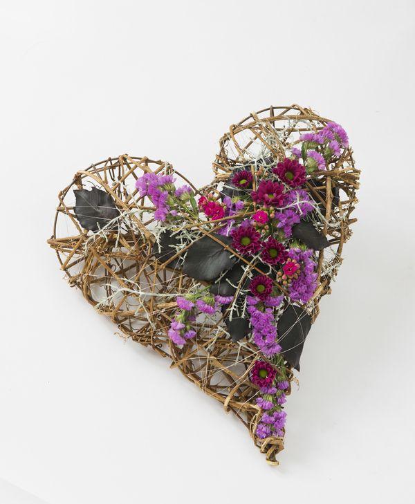Hjerte i natur fra Interflora. Om denne nettbutikken: http://nettbutikknytt.no/interflora-no/