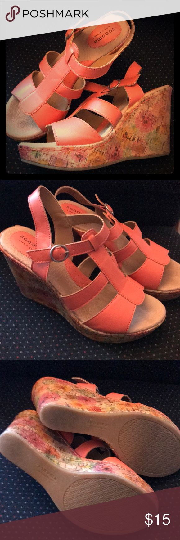SONOMA CORAL WEDGED In great preowned condition. Sonoma Shoes Wedges