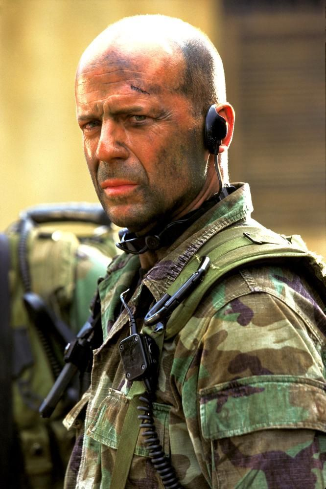 "Bruce Willis en ""Lágrimas del Sol"" (Tears of the Sun), 2003"