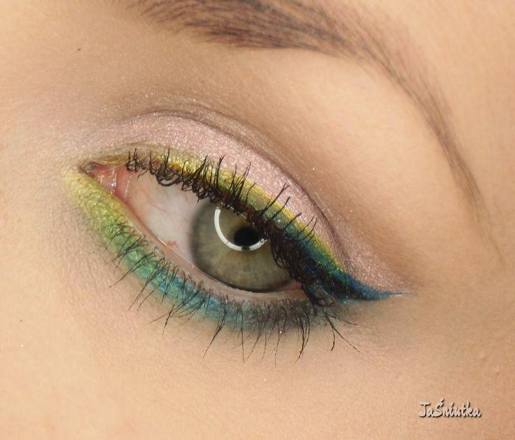 JaŚniutka   makijaż, recenzje : Kolorowa krecha:)