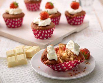 Witte chocolade & aardbeiencupcakes