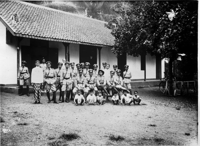 dutch indies police station in malang, 1930