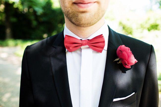 Vintage Bride ~ Real Wedding of Kate & David ~ Photography by Bonavita Photography ~ Bride's Dress Inspiration Bridal ~ Brides Shoes Miss KGM ~ Read more here: [vintagebridemag.com.au/kate-davids-retro-inspired-wedding-in-germany] ~ #vintagebride #vintagewedding #vintagebridemagazine #vintagegroom