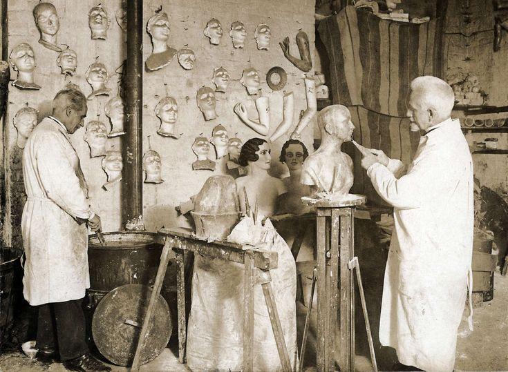 Mode. Modepoppen. Het vervaardigen van etalagepoppen.[Duitsland], 1931.