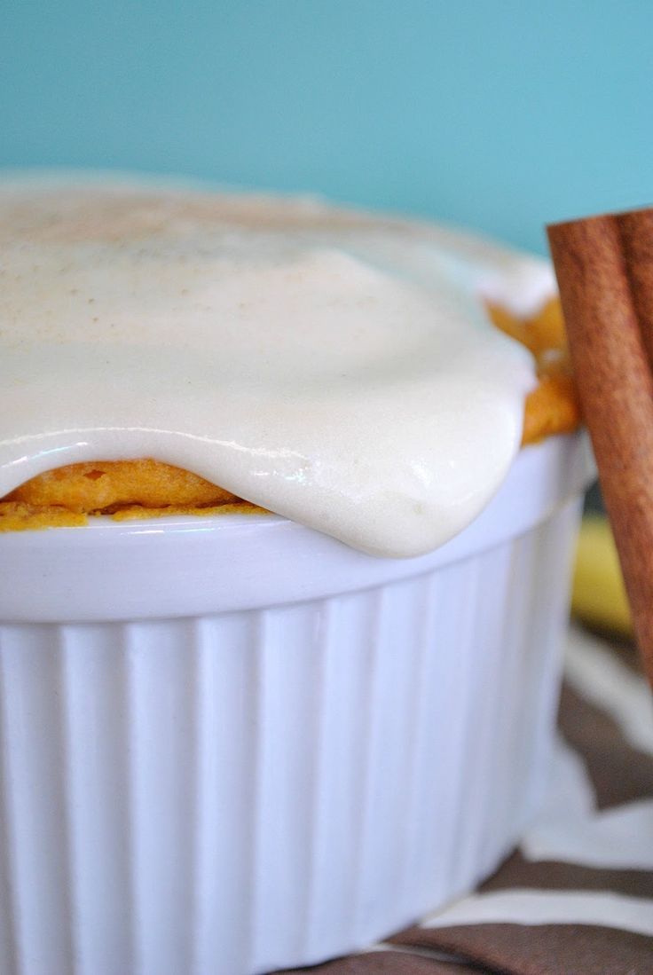 Single Serve Pumpkin Cake with Cream Cheese FrostingAmazing Recipe, Cream Cheese Frostings, Easyrecipes Amazing, Yellow Cake, Cake Mixed, Delicious Tasty, Pumpkin Cake, Fast Recipe, Cream Chees Frostings