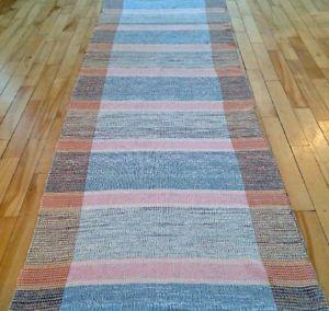 Antiquité. Collection. Très grande laize de plancher Catalogne L