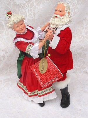 2005 Shall We Dan Santa Mrs Claus Clothique Possible Dreams Dept 56 (chipped boot)