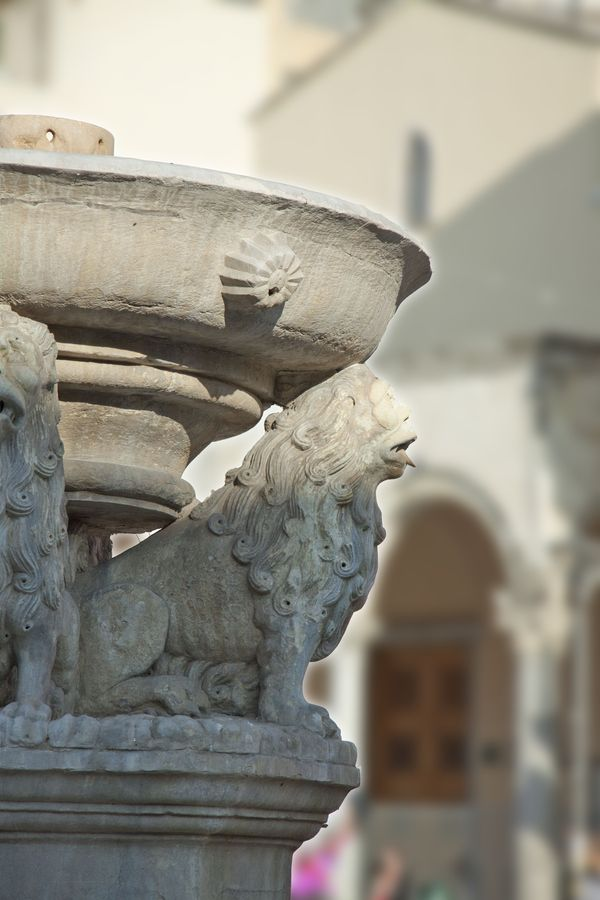 This is my Greece | Lions Square, the square of Morosini Fountain in its midst, which features four lions supporting the main basin, in Heraklion, Crete