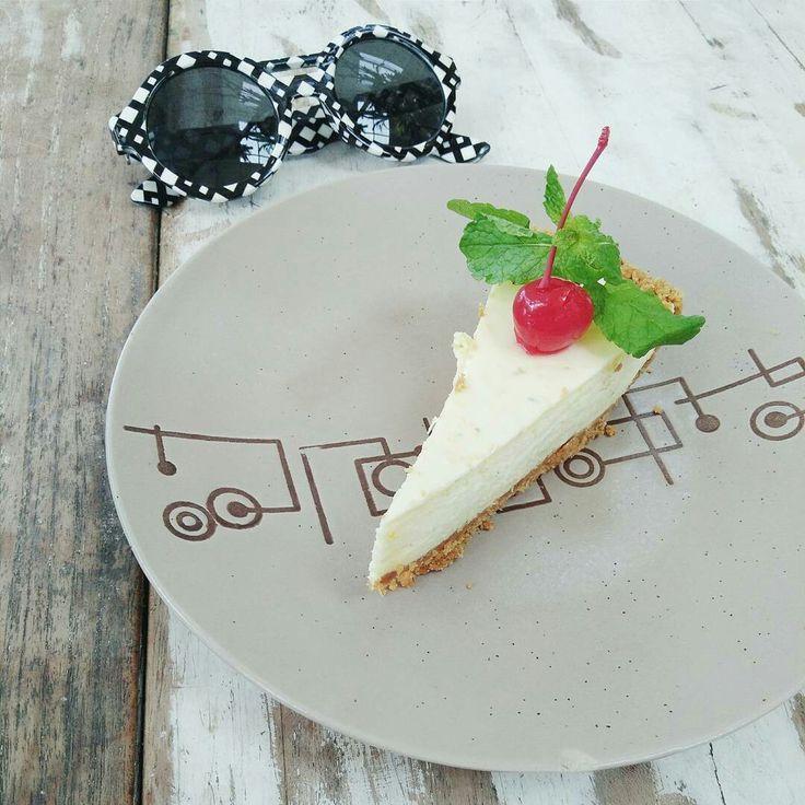 Their best seller dessert is Lemon Cheesecake by  by @nook_bali 🍰
