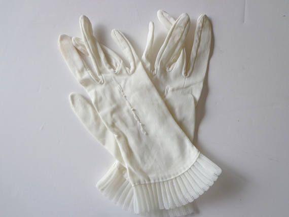 Vintage Ladies Dress Gloves - White Dress Gloves - White Nylon Gloves - Antique White Gloves - Ladies Gloves - Antique Ladies Gloves