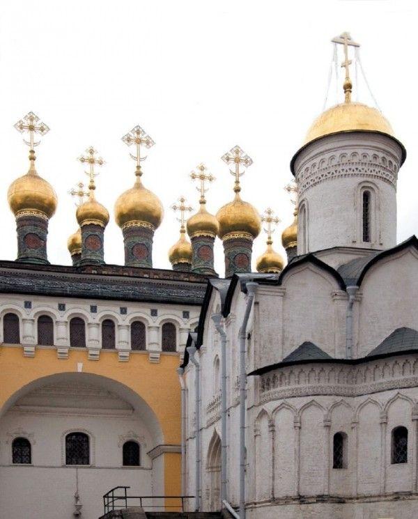 1000 чудес России. Церковь Ризоположения