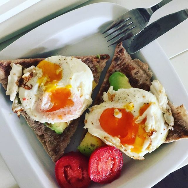 Dagens lunsj😁 Grove polarbrød med avokado og egg🍳 #lunsj #protein #avokado #egg #healthyfood #healthyliving #fitness #motivation #foodporn #workout #workoutmotivation #sunnmat #sunnkost #follow