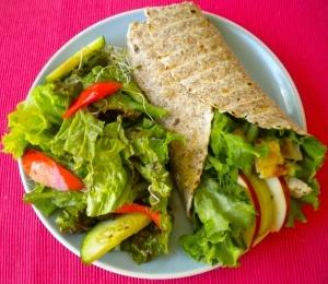 Turkey & Swiss Wrap with Apple Slices | 400 calorie meals | Pinterest