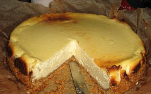 Retete Culinare - Cheesecake cu ingrediente pur romanesti
