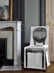 Coprisedia 4mek Cabriolet in 100% cotone, France Coprisedia in 100% cotone biologico. Decoro stampato digitalmente su tutti i lati della sedia. Rivestimento con fiocchetti di chiusura sul retro sedia. Colore bianco e nero. Lavabile a 40°C in lavatrice. Made in France Dimensioni della sedia da coprire: -Seduta: 44x35xH46cm -Schienale da terra:H86x 44cm larghezza