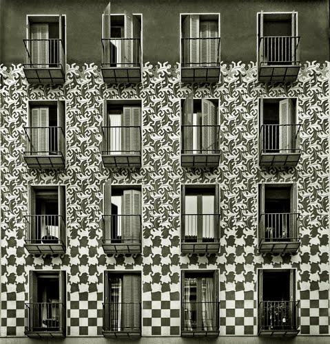 Fachada del número 14 de la calle Conde de Romanones, en Madrid. Foto: Pablo Echávarri.