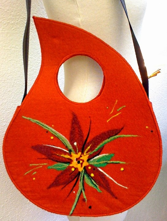 Red felted bag....Soooo cool!
