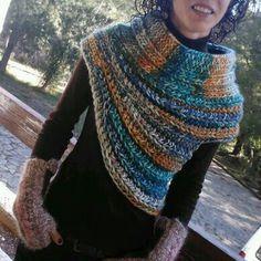 Cuello en crochet al estilo Katniss de Juego de Tronos... Bonitos colores...