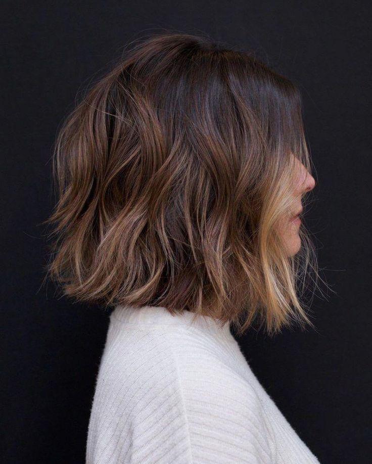 10 Casual Medium Bob Haircuts Female Bob Hairstyles 2019 2020 Ombrebobhair Bob Casual Female Hai Hair Styles Thick Hair Styles Medium Bob Hairstyles