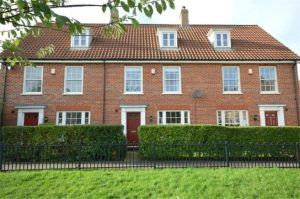 House for Let - Bromedale Avenue, Mulbarton