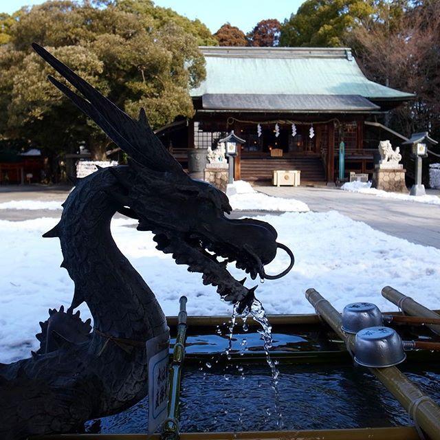 Snowy Japan with dragon fountains 🇯🇵 // A havas Japán és a szokásos sárkányos kút 🇯🇵 #szegedbudokan #martialarts #academy #szeged #budokan #japan #japanese #water #fountain #kyoto #dragon #holy #spirit #blessed #samurai #culture #travel #trip #budo #memory #tbt #shinto #shrine #garden #zen #mediation #ryu #blessing #misogi #spiritual