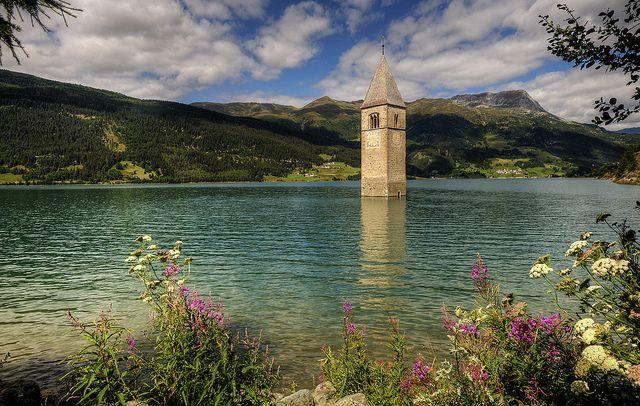 #Lago di Resia, Val Venosta, #Trentino Alto Adige - www.BedAndBreakfastItalia.com #Italy