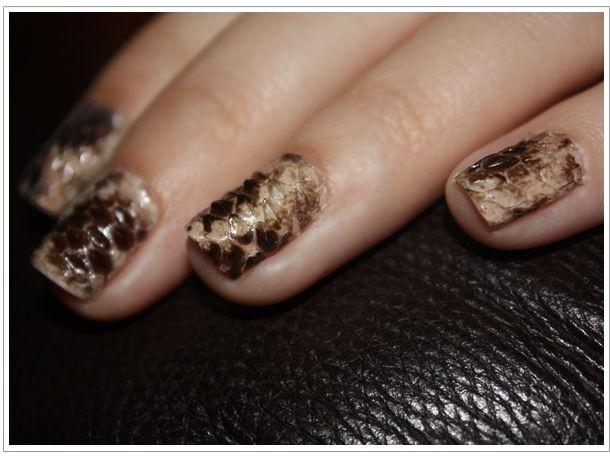 You could also use snake skin: | 27 Ideas For Awesome Accent Nails