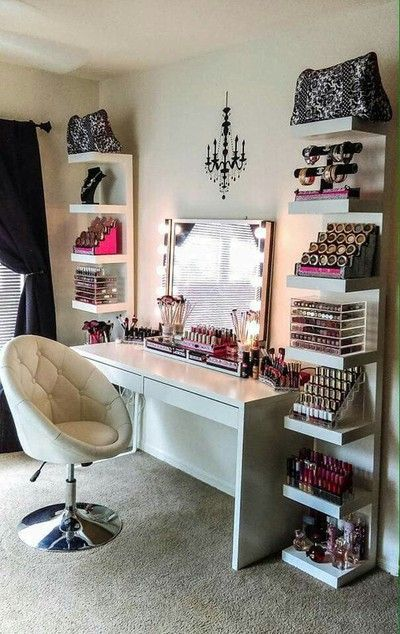 Vanity table for the makeup lover with white leather chair
