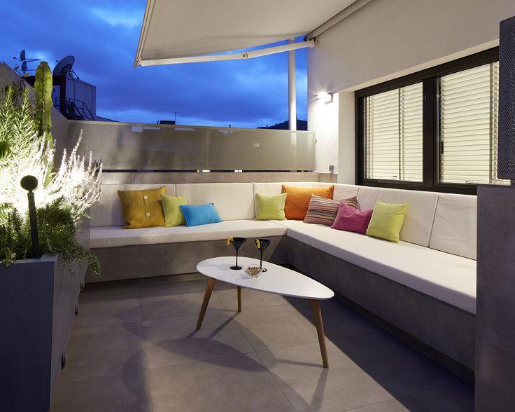 Molins Interiors // arquitectura interior - interiorismo - decoración - penthouse - terraza - noche - chill out - relax - sofá