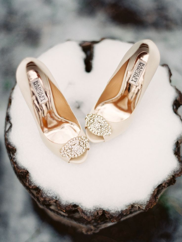 Badgley Mishkas wedding heels @weddingchicks