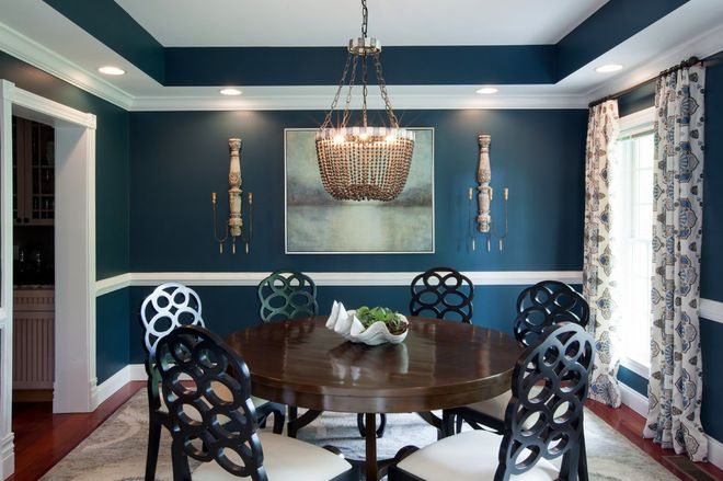 Traditional Dining Room by Elizabeth Reich; since I'm not big on red, I love this blue.  The painting and crown molding is very chic.