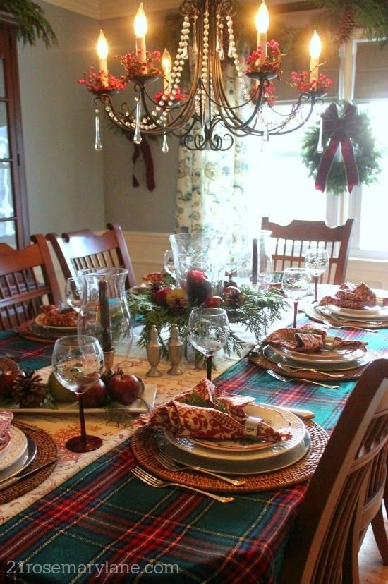 Best 25 Christmas Dining Rooms Ideas On Pinterest  Christmas Fascinating Christmas Dining Room Review