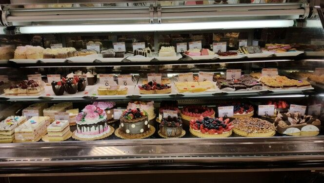 Fred Meyer Custom Cakes