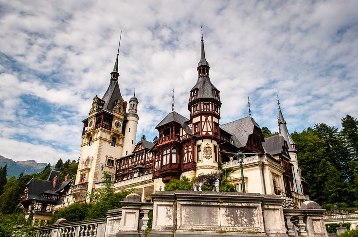 Peleș Castle is a Neo-Renaissance castle in the Carpathian Mountains, near Sinaia, in Prahova County, Romania, on an existing medieval route linking Transylvania and Wallachia, built between 1873 and 1914.  (via Wikipedia)  © www.asoimu.com  #Peles #Castle #Sinaia #Romania #landmark #historical #building