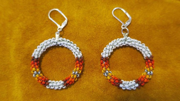NATIVE AMERICAN SEED BEAD - PEYOTE STITCHED / FIERY COLORS