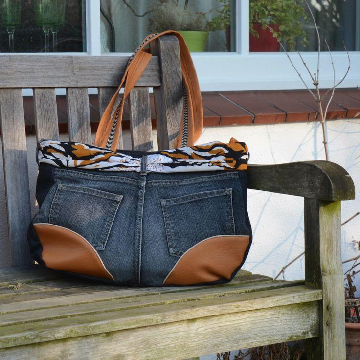 25 best taschen aus jeans images on pinterest jean bag sew bags and denim bag. Black Bedroom Furniture Sets. Home Design Ideas