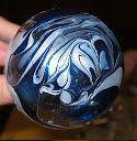 Kerstballen maken en versieren met behulp van nagellak - Plazilla.com