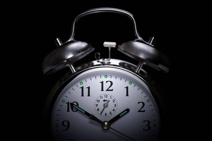 Vous réveillez-vous toutes les nuits à la même heure? Voici ce que cela signifie!