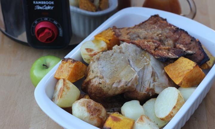 Slow cooker pork with apples - Kidspot