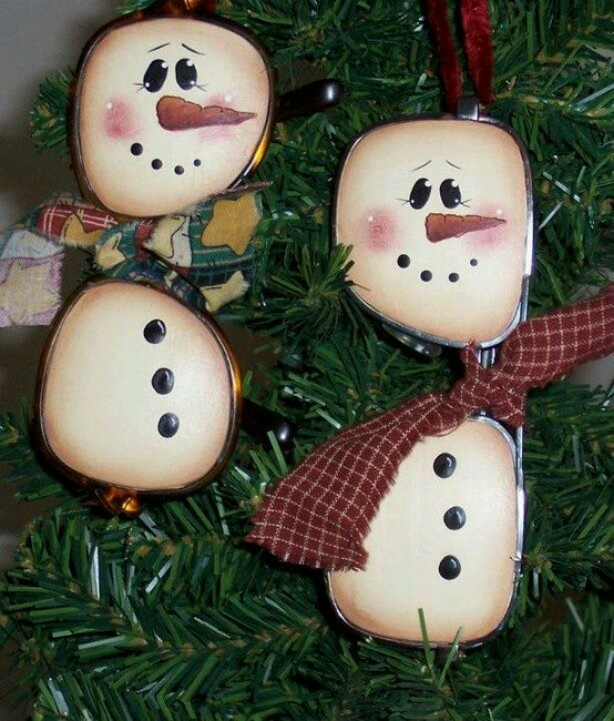 Snowman painted on old eye glasses crafts pinterest for How to paint snowmen