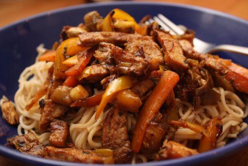 Romanian Mum In London: Stir fry pork with noodles