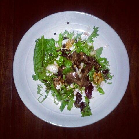 Pigeon salad with balsamic vinaigrette