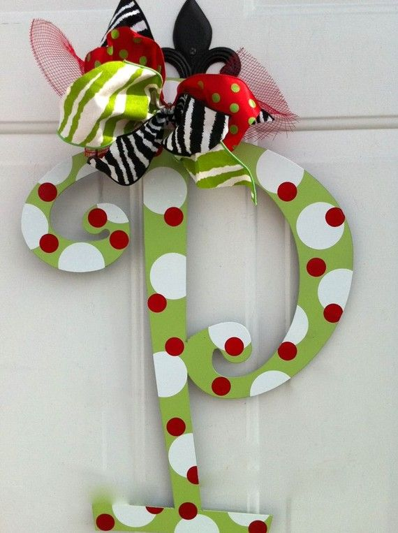 Cute Door Letter Idea: Trees Toppers, Gifts Ideas, Doors Hangers, Christmas Doors, Front Doors, Bedrooms Doors, Christmas Decor, Doors Letters, Wreaths
