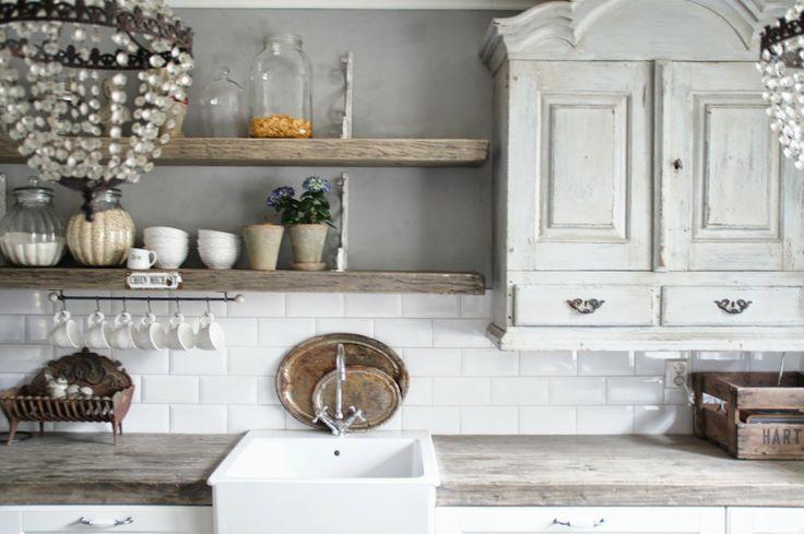 ♕ a well dressed kitchen ~ Valkoinen Puutalokoti