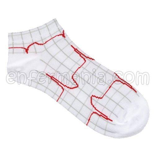 Calcetines mini - Sistole  * Composición: 80% Algodón - 15% Nylon - 5% Lycra® * Dibujos tejidos (no pintados) en todo el calcetín. * Muy resistente y de excelente calidad. * Color blanco con la cuadrícula del electro en gris y la onda en color rojo. * Talla única.